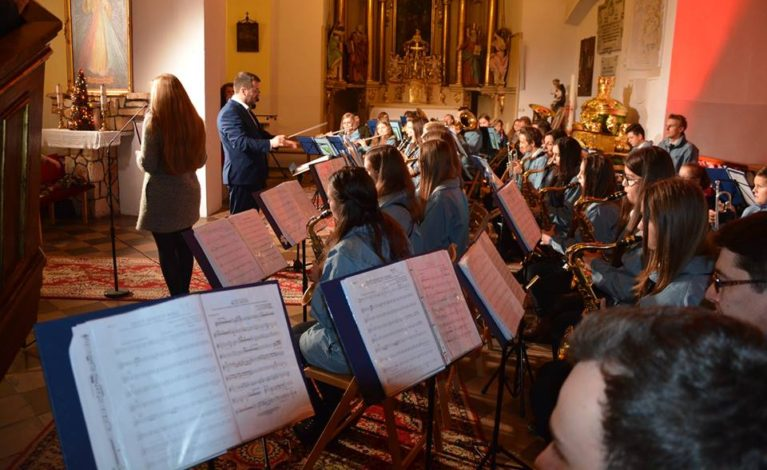 Orkiestra dęta w koncercie noworocznym