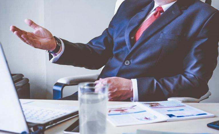 Koniec z doradcami i asystentami