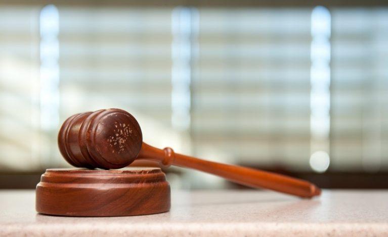 Były starosta przed sądem. Nielegalnie prowadził praktyki lekarskie