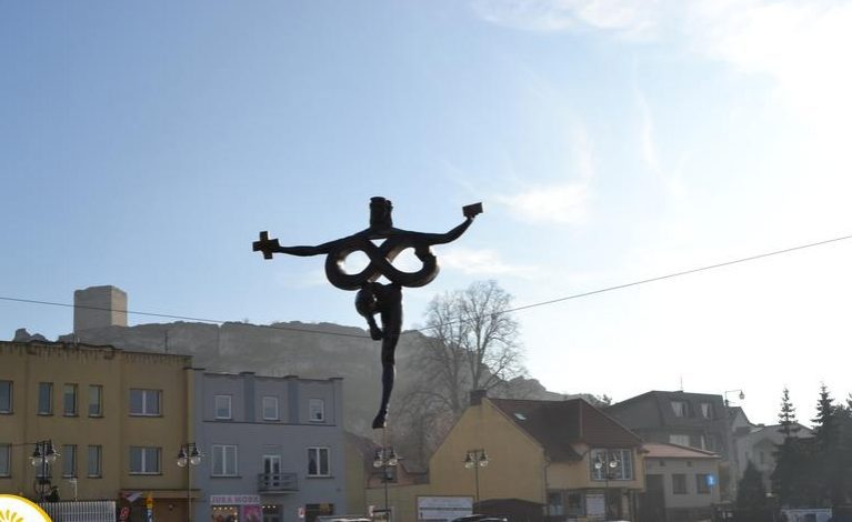 Powrót balansującej rzeźby