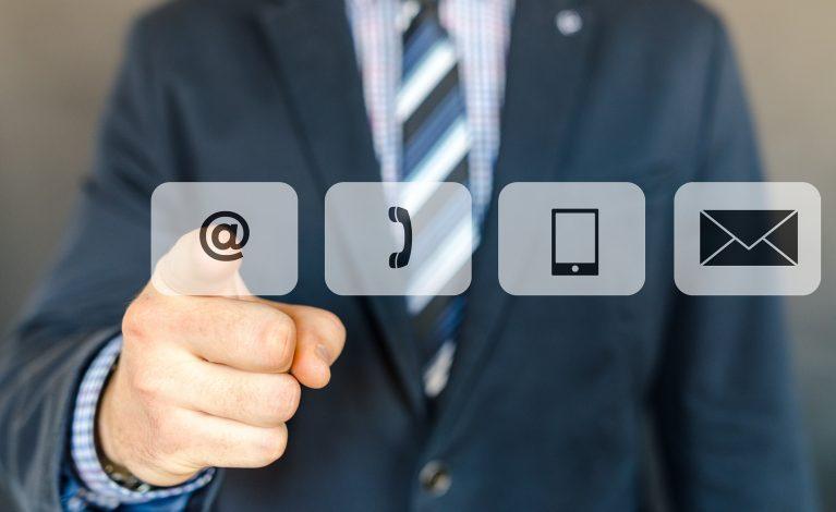 Szef sprawdzi emaile, telefony i komunikatory!