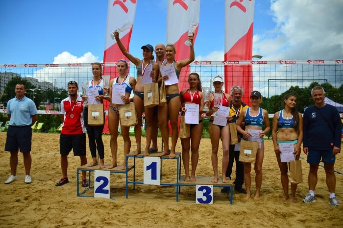Żeńskie duety walczyły w Częstochowie o mistrzostwo Polski w siatkówce plażowej