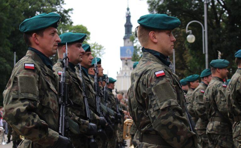 Żołnierze Wojska Polskiego na Jasnej Górze