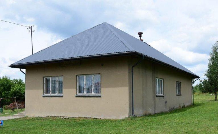Wymienili dach remizy