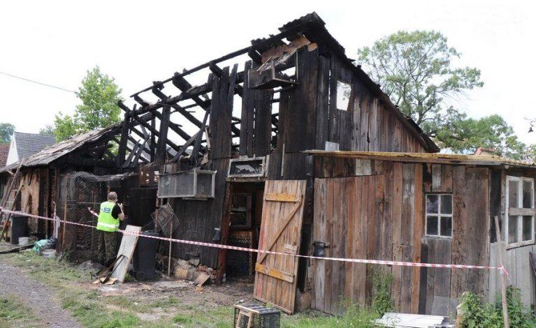 Pożar gołębnika w Koszęcinie. Spłonęło kilkadziesiąt ptaków