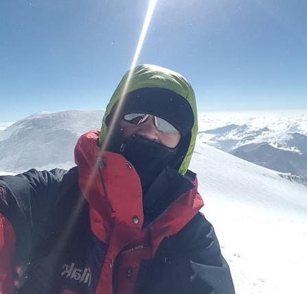 Wspiął się na Elbrus