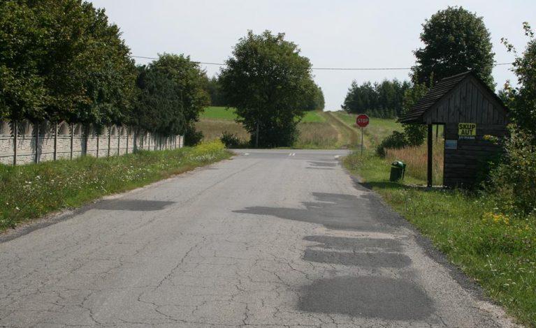 Nowe nakładki na drogach powiatowych