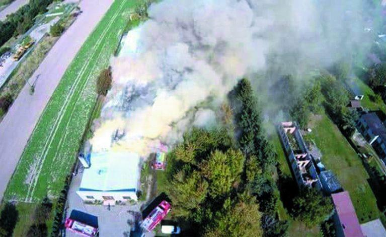 Pożar w zakładzie obuwniczym w Rędzinach