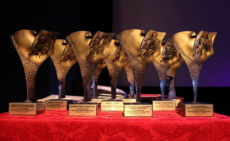 Nagrody za działalność  w organizacjach pozarządowych