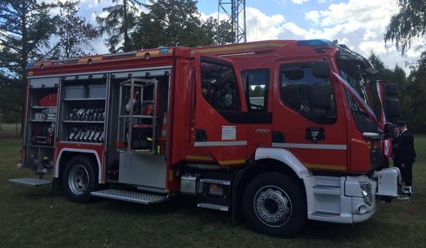 Nowy wóz dla strażaków z Dźbowa