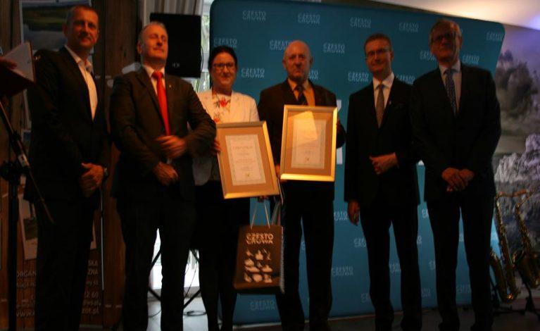 Reprezentanci gminy odebrali dwa certyfikaty