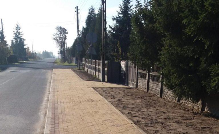 Nowy chodnik w Sobuczynie
