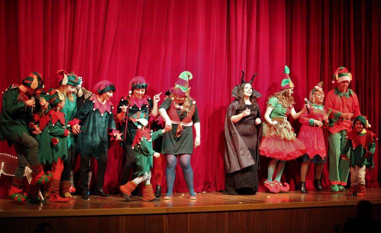 Urzędnicy w roli elfów