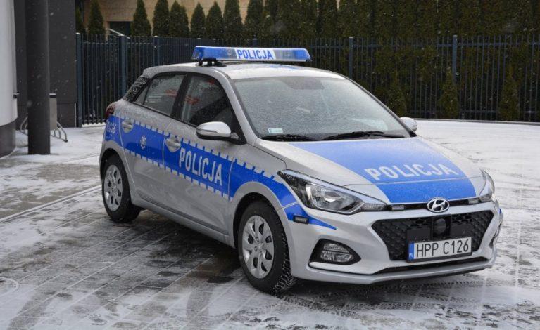 Policjanci z Kłomnic mają nowy samochód