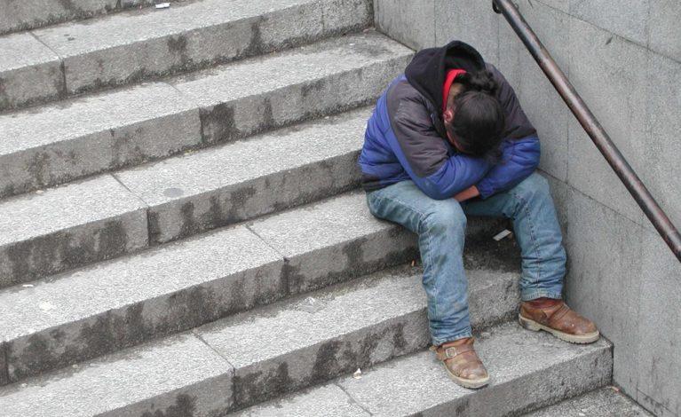 Patrole z gorącymi posiłkami dotarły do bezdomnych