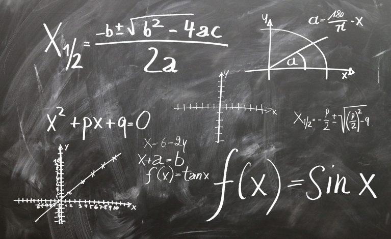 Matematyka wciąż obowiązkowa na maturze