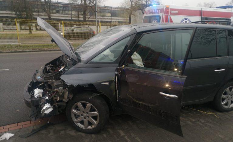 Wypadek na Jagiellońskiej. Kierowca zasłabł