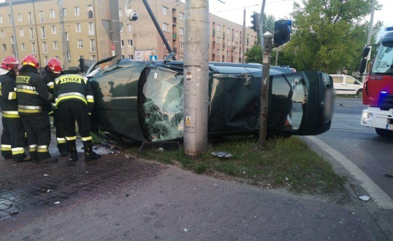 Uwaga kierowcy! Poważny wypadek na skrzyżowaniu