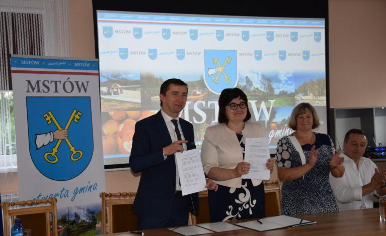 Mstów z umową o współpracy partnerskiej z litewską Gminą Kowalczuki
