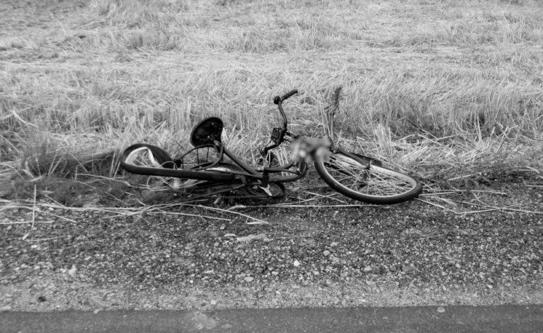 Potrąciła rowerzystkę. Kobieta nie żyje