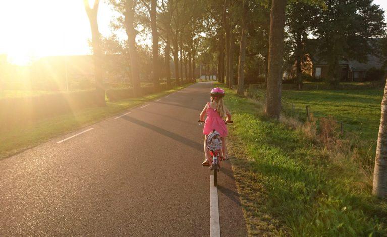 Mały rowerzysta