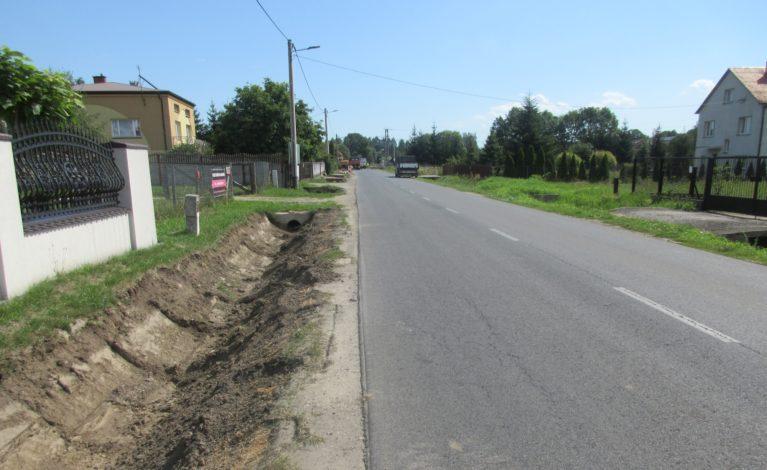 Kolejny etap budowy chodnika w Kobyłczycach