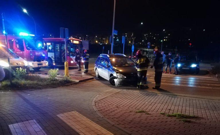 Uszkodził kilka samochodów i uciekł. Świadkowie ruszyli w pościg