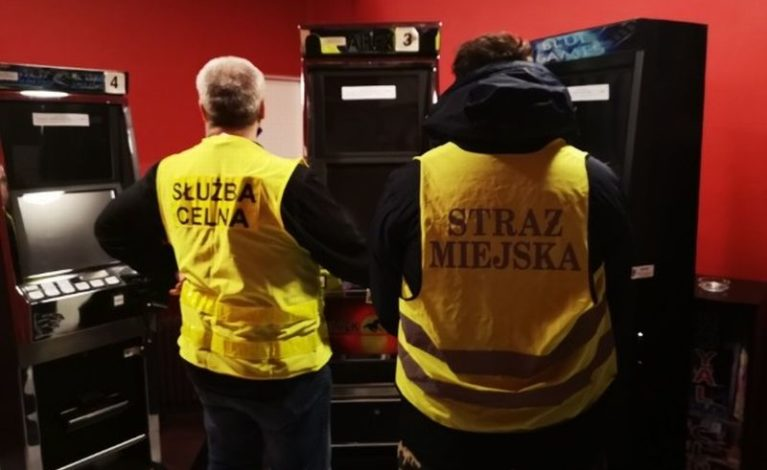 Odkryli nielegalne automaty do gier