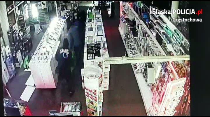Skradli sprzęt wartości 30 tys. złotych. Sprawdź, czy rozpoznajesz sprawców włamania. [VIDEO]