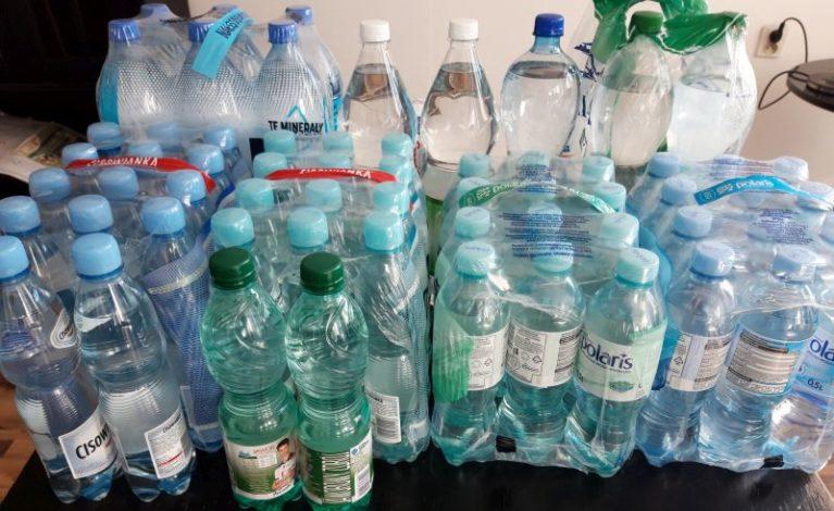 Zbierają wodę dla szpitala
