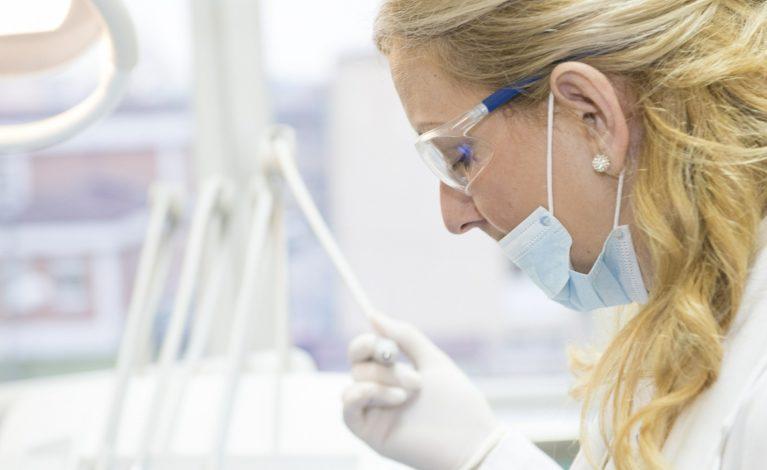 Ból zęba a koronawirus