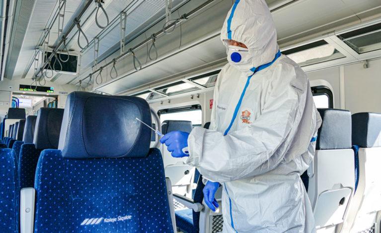 Tytanowa tarcza ochroni przed wirusem?
