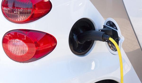 Minimum 100 punktów do ładowania pojazdów elektrycznych