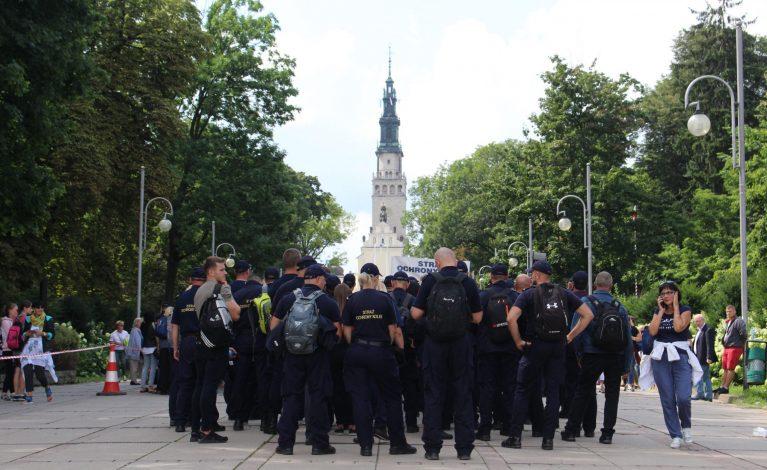 Radna apeluje o zakaz masowego pielgrzymowania na Jasną Górę
