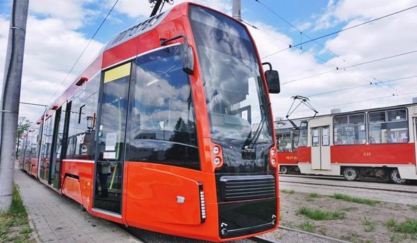 Docierają kolejne tramwaje
