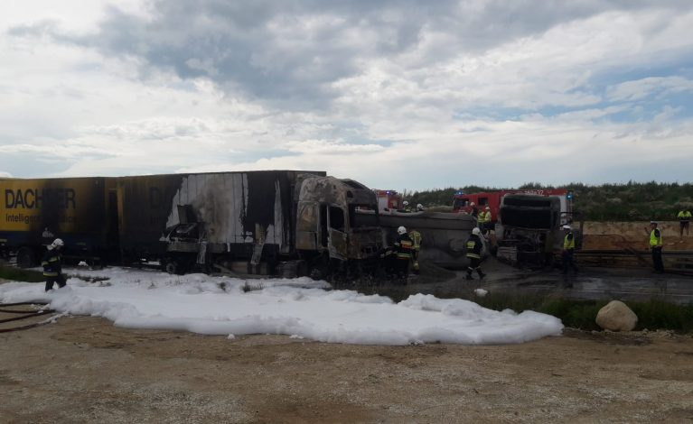 Zderzenie trzech pojazdów w Bogusławicach. Co najmniej 30 osób rannych