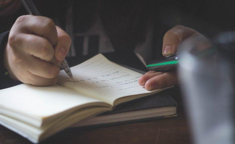 Rzecznik MZ: 1 września to termin rozpoczęcia edukacji szkolnej w całej Polsce