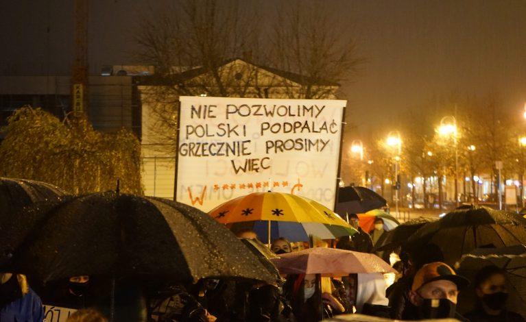 Protest w Częstochowie: wybór nie zakaz
