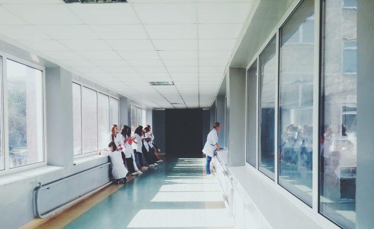 Personel medyczny pilnie poszukiwany