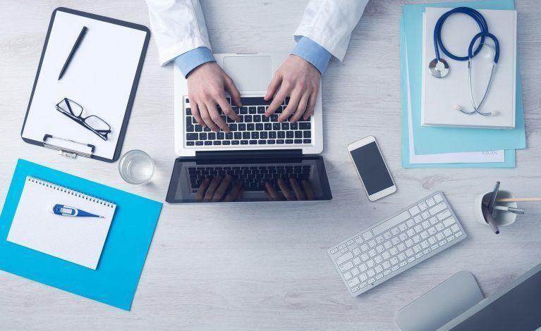 Ekspertka o spadku zleceń testów POZ: wielu pacjentów nie chce izolacji i kwarantanny
