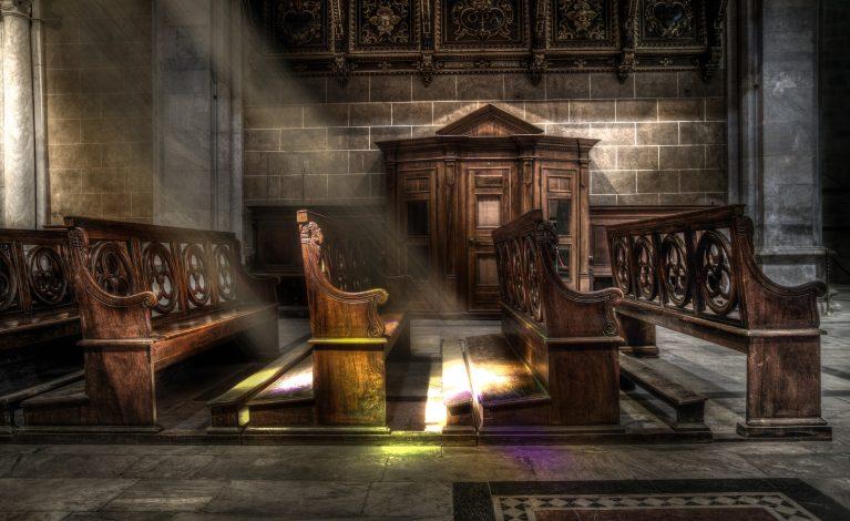 Apel o zwiększenie liczby osób w kościołach
