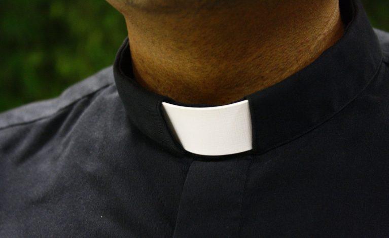 Ksiądz molestował 13-latkę