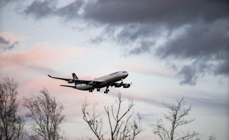 Do 13 stycznia zakaz lądowania samolotów z Wielkiej Brytanii