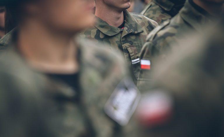 Buty wojskowe do kosza
