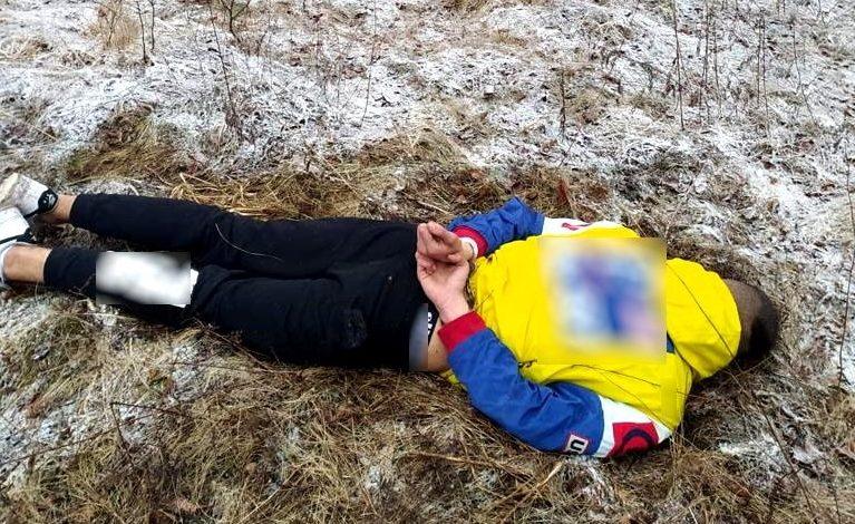 18-latek wspólnie z kolegami napadł na starszego kolegę. Pobił go i ukradł samochód