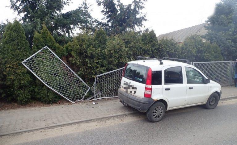 55-latek zakończył przejażdżkę… na ogrodzeniu