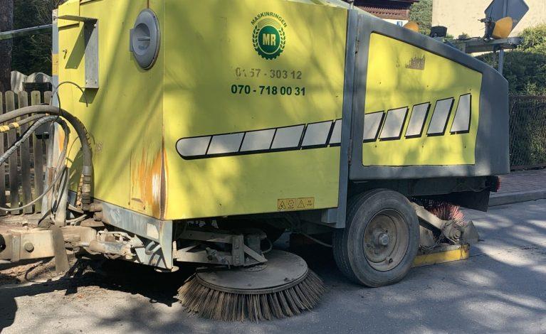 Sprzątają drogi i chodniki