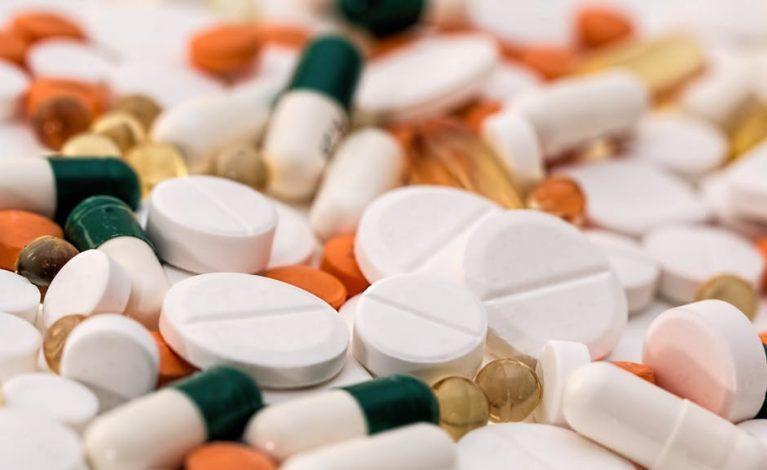 Pfizer prowadzi badania nad doustnym lekiem przeciw SARS-CoV-2