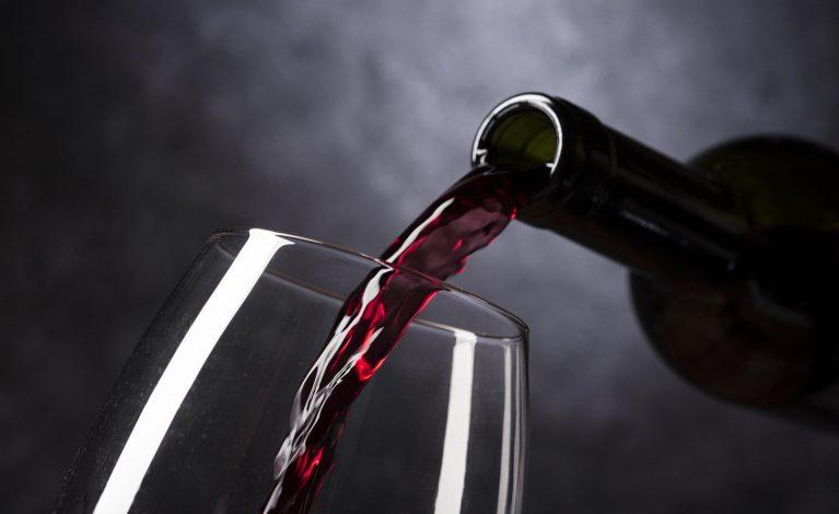 Restauratorzy zwolnieni z opłaty alkoholowej