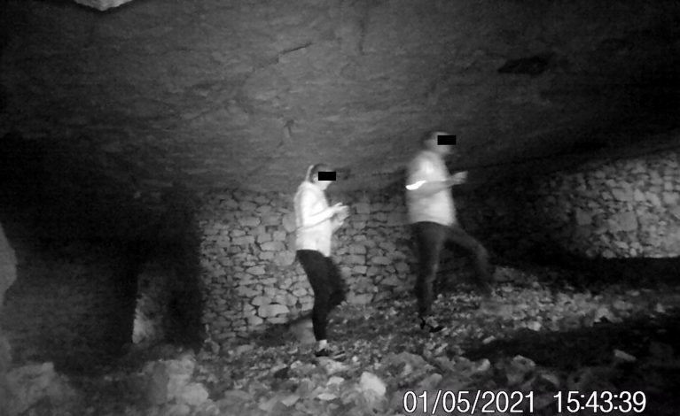 Pomimo zakazu weszli do jaskini